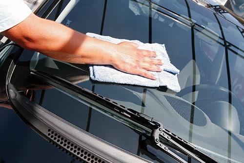 Pranje i poliranje automobila